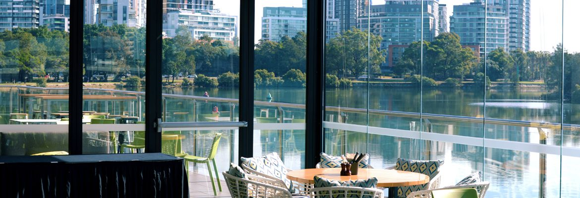 Terrace View a Rowers on Cooks River